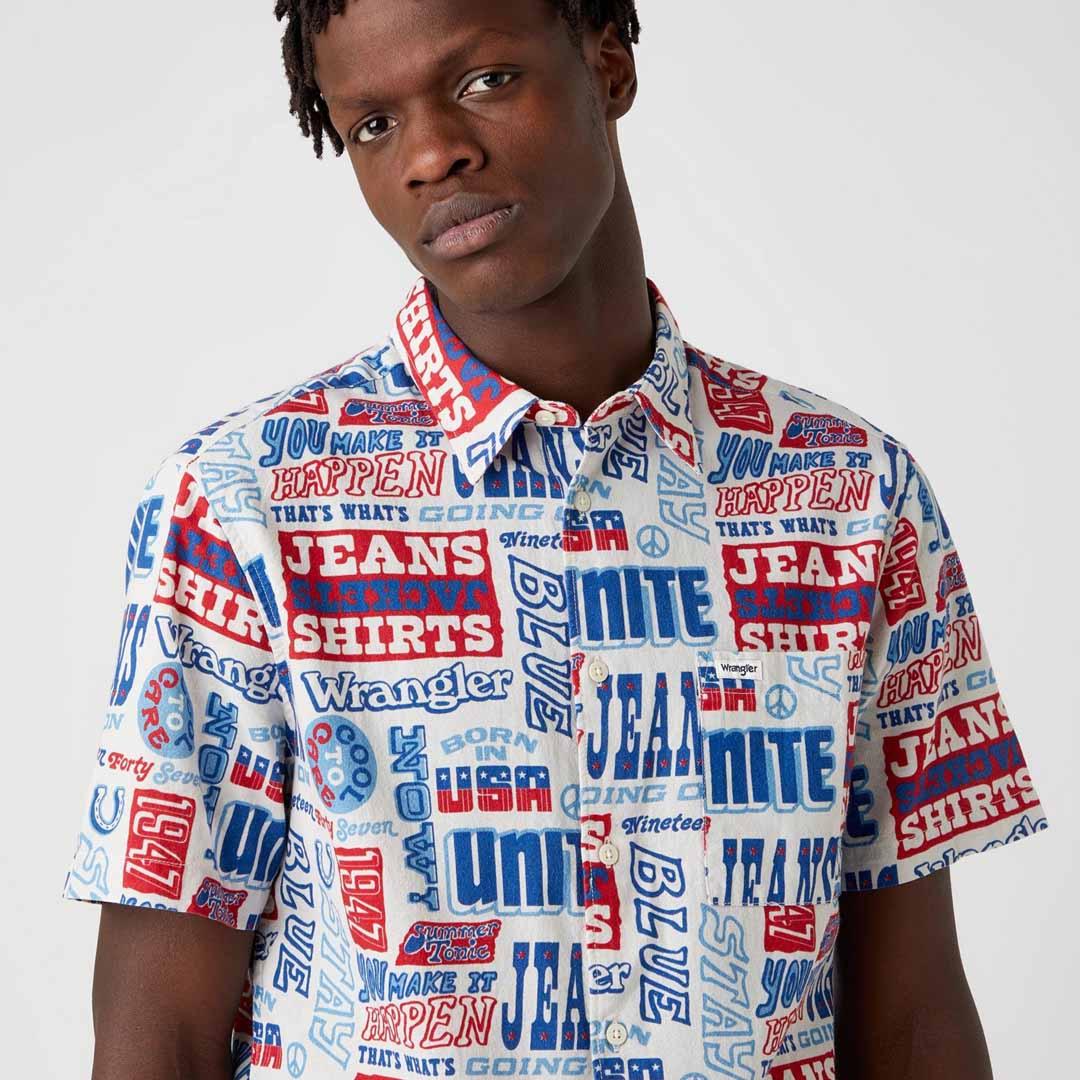 WRANGLER Relaxed Short Sleeve Men Shirt in Text Mania (W5J47S18E)